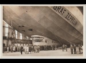 """""""Graf Zeppelin"""" in der Halle, 1936"""